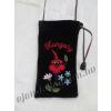 Mobiltok hímzett virág motívummal és HUNGARY felirattal fekete
