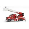 Bruder MACK Granite tűzoltóautó forgó létrával és vízpumpával (02821)