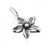Díszesen patinázott virág medál, 925 ezüst