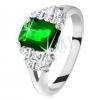 Csillogó gyűrű ezüst színben, smaragdzöld cirkónia, osztott szárak