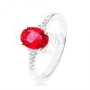 Gyűrű, 925 ezüst, szűkített fényes szárak, cirkóniás ovális piros színben