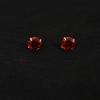 JewelOra Sterling ezüst piros köves bedugós fülbevaló 5mm
