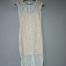 Fehér-bézs csipkés ruha- Egy méret