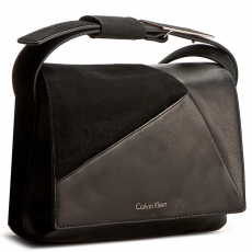 Calvin Klein Black Label Táska CALVIN KLEIN BLACK LABEL - Jilli4n Small Flap Crossbody K60K602385 001