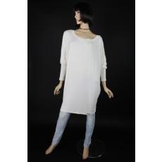 Lezser, bő szabású, fehér női  felső, amely önállóan ruhaként is használható