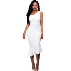 Fehér hosszú  party ruha alján fodros