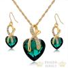 Aranyozott, szív alakú fülbevaló és nyaklánc szett, zöld