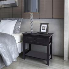 fa éjjeliszekrény fekete ágy és ágykellék