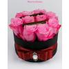 Fekete kicsi henger rózsa box rózsaszín rózsákkal