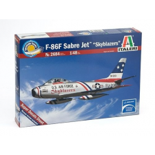 Italeri F-86F Sabre Jet katonai repülő makett Italeri 2684 makett figura