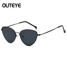 OUTEYE  extravagáns napszemüveg, fekete lencsével és kerettel
