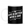 PRINTFASHION Kutyával jobb az élet - Bögre - Fekete