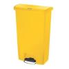 RUBBERMAID Front Step műanyag szemetes kosár, 68 l térfogat, sárga